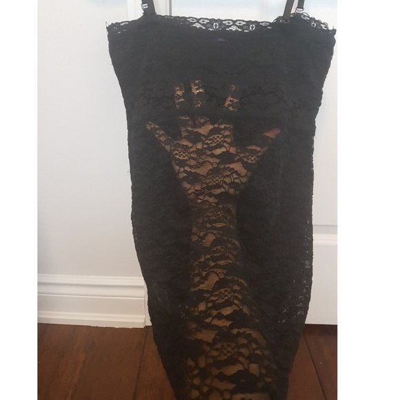 Urban Behavior Tops - Black lace backless top